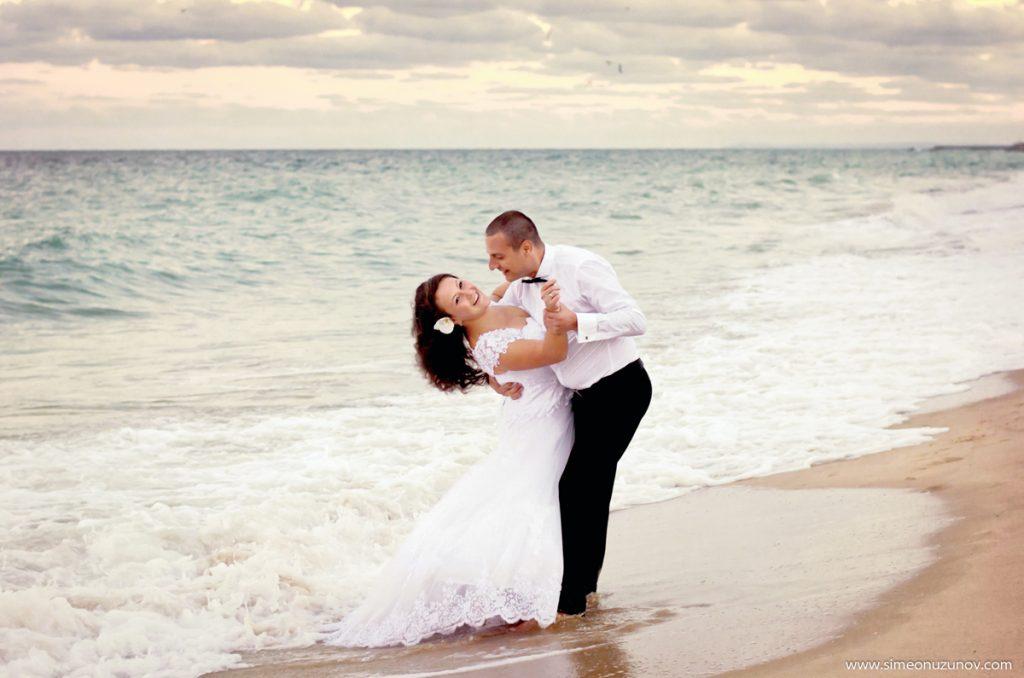фотосесия след сватбата на морето
