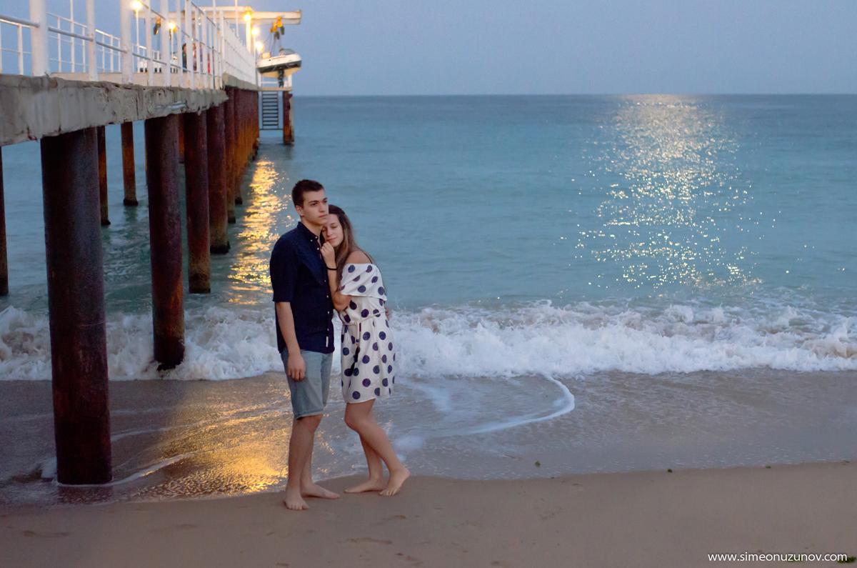 фотосесия на влюбени на морето