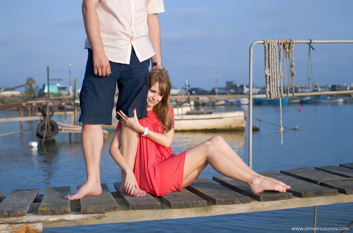 романтична сесия на влюбени на морето