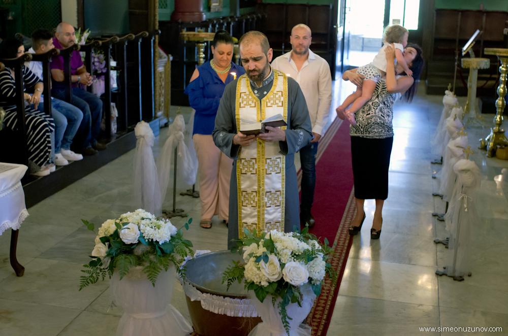 фотографи за кръщене варна