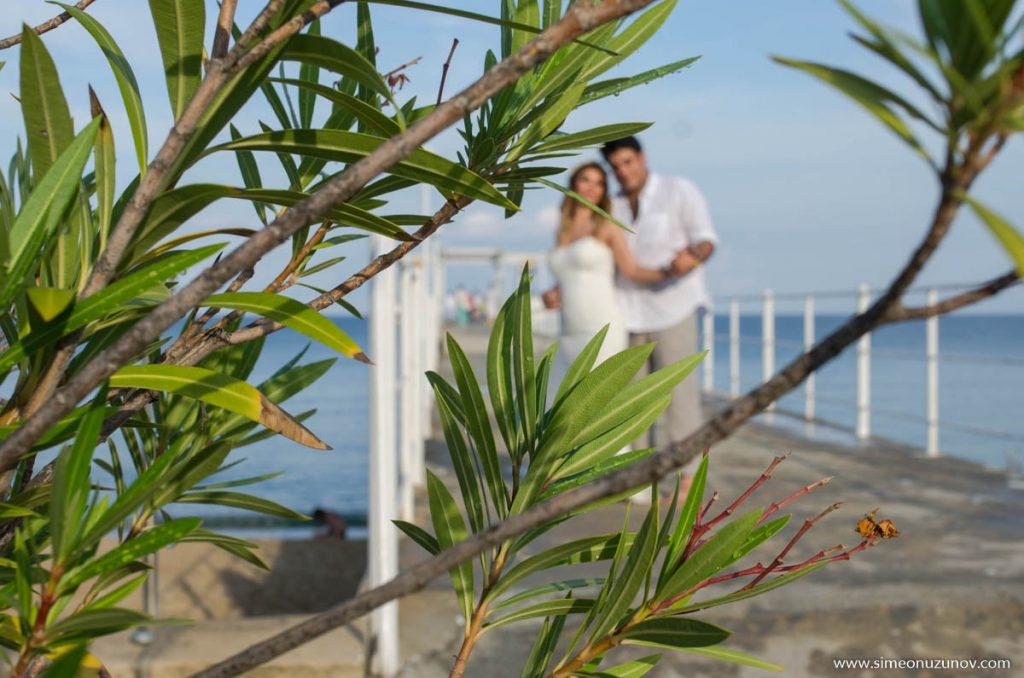 сватбени фотографи на морето