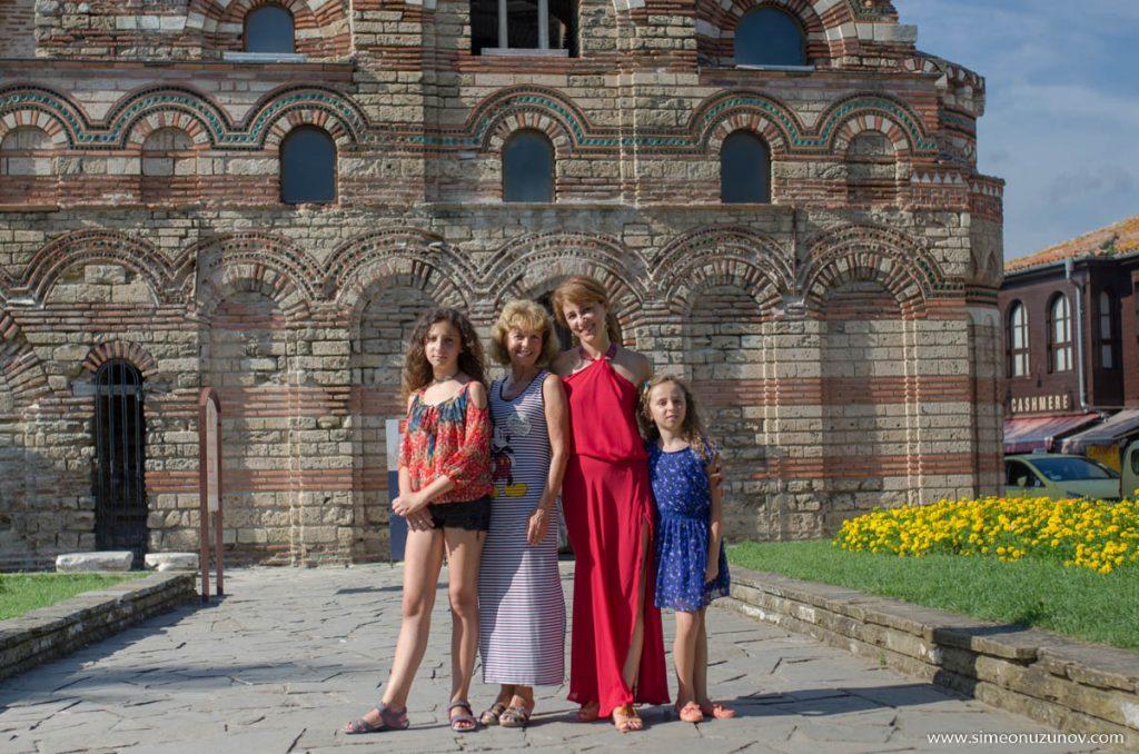 семейна фотосесия в стария град несебър